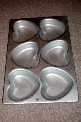 Wilton Heart Cake Pan -- 6 Individual Hearts -- as shown