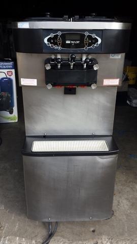 2007 TAYLOR C713 SERIAL K7052399 3PH WATER Soft Serve Frozen Yogurt Ice Cream Machine