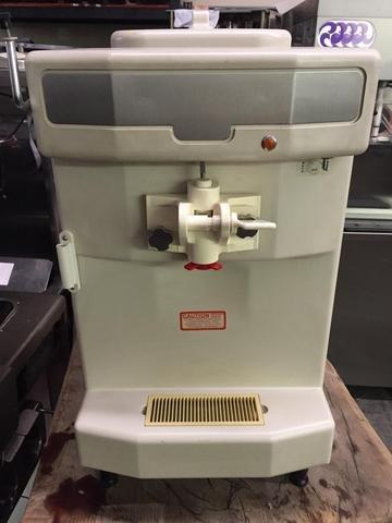 TAYLOR 142 SERIAL J0103921 1PH AIR Soft Serve Frozen Yogurt Ice Cream Machine