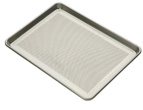 Focus Foodservice Commercial Bakeware 18-Gauge Perforated Aluminum-Sheet Pan 12-Sheet