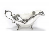 Rose-Point-by-Wallace-Silverplate-Gravy-Boat-Footed-47.jpg